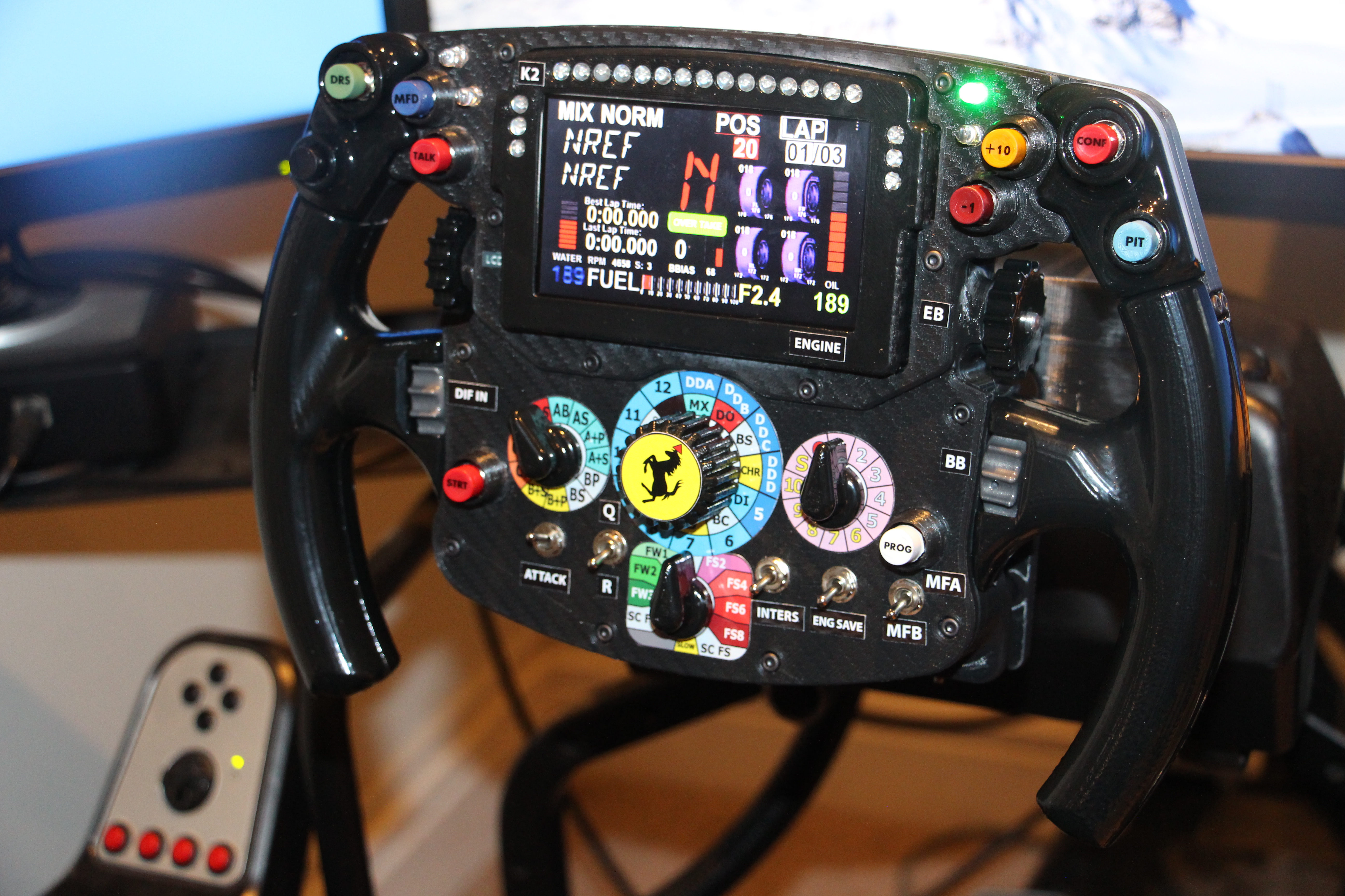 Thrustmaster F1 wheel mod with SIMR-F1 display, switches and