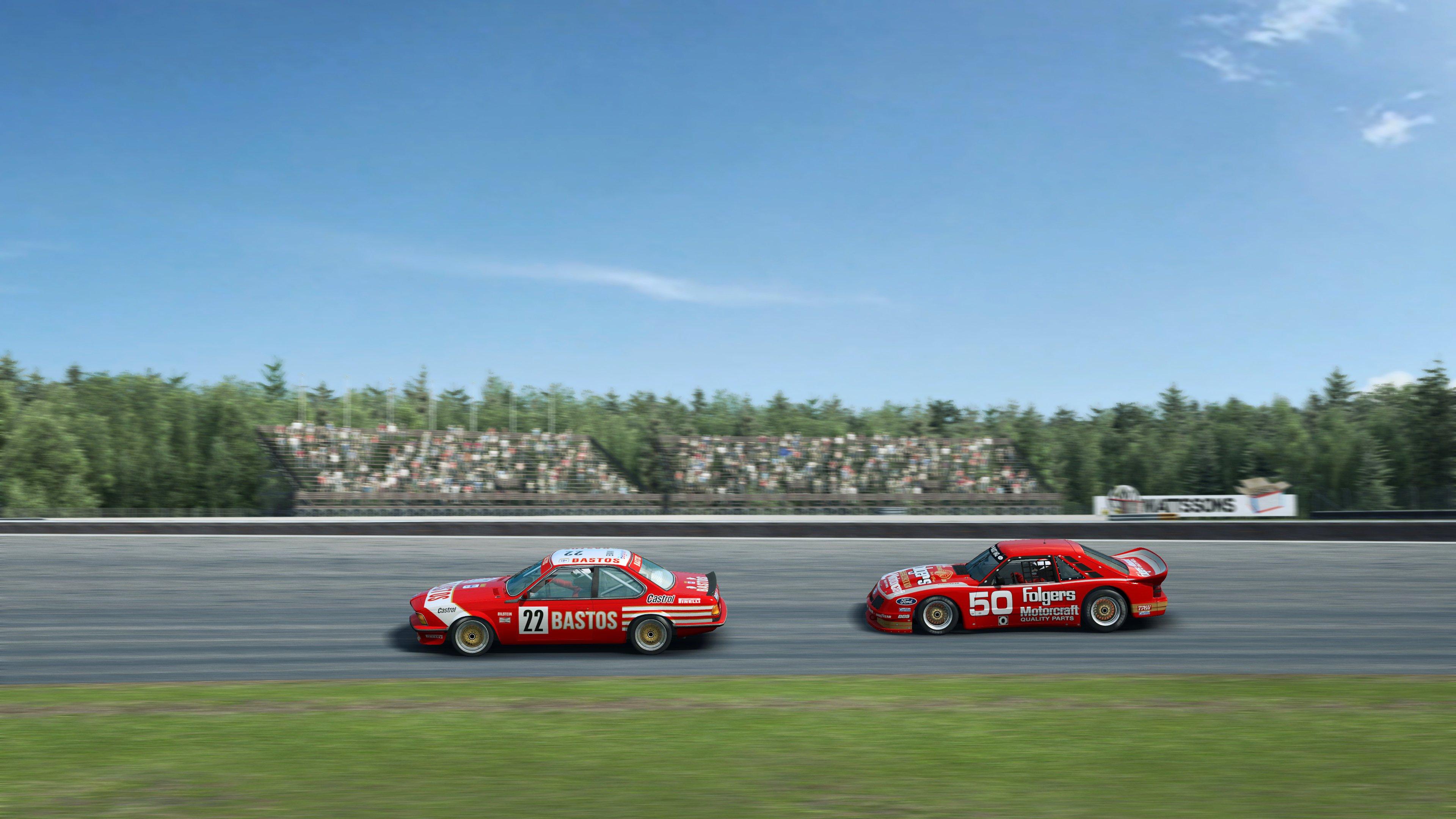 RaceRoom BMWs side shot