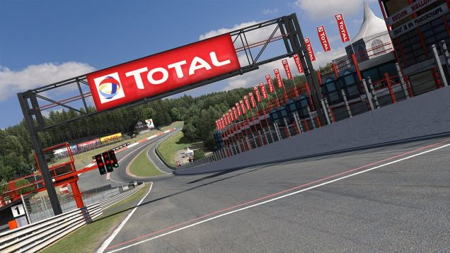 iRacing Spa straight towards Eau Rouge