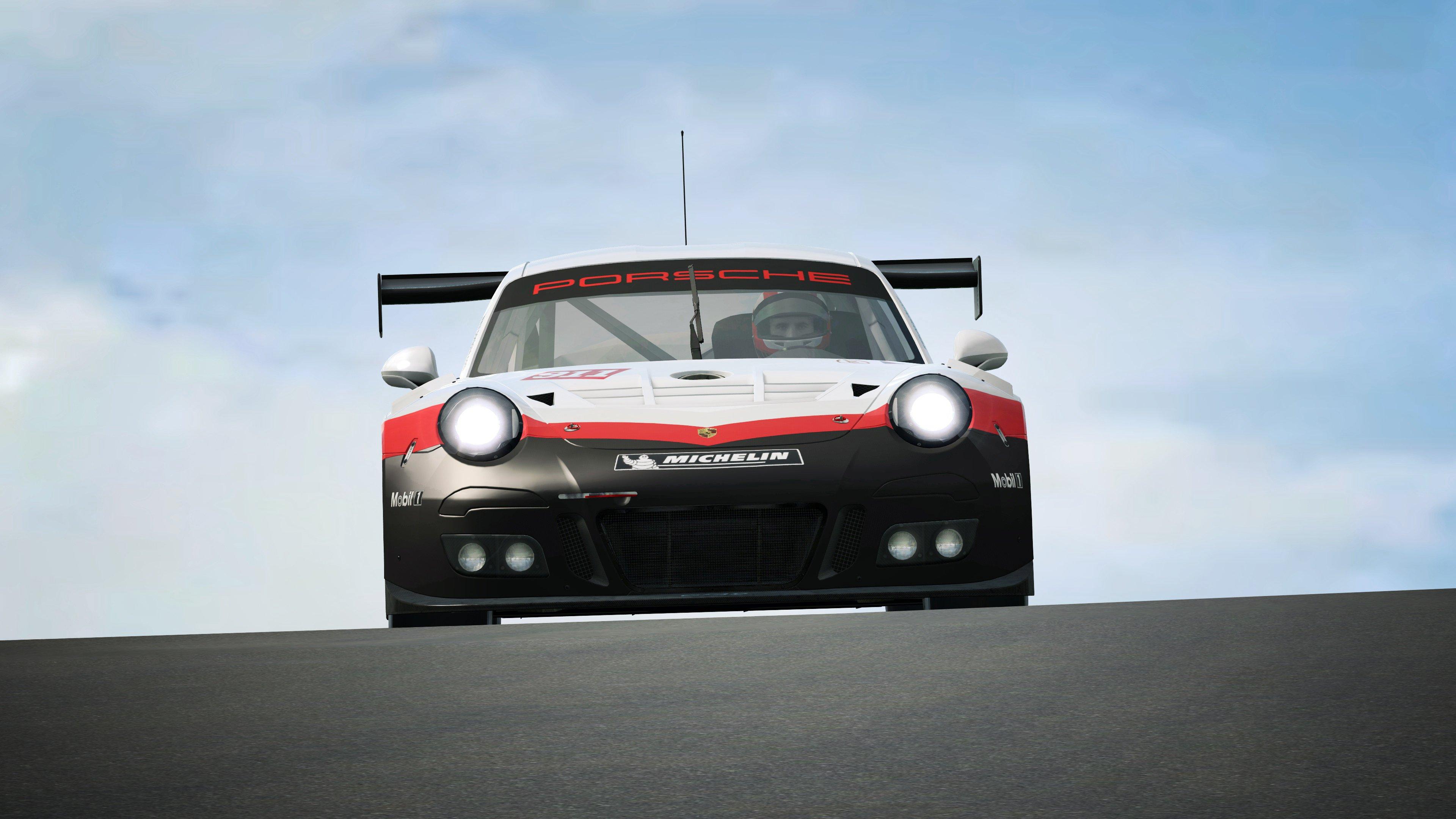 RaceRoom Porsche 911 GT3 R 28