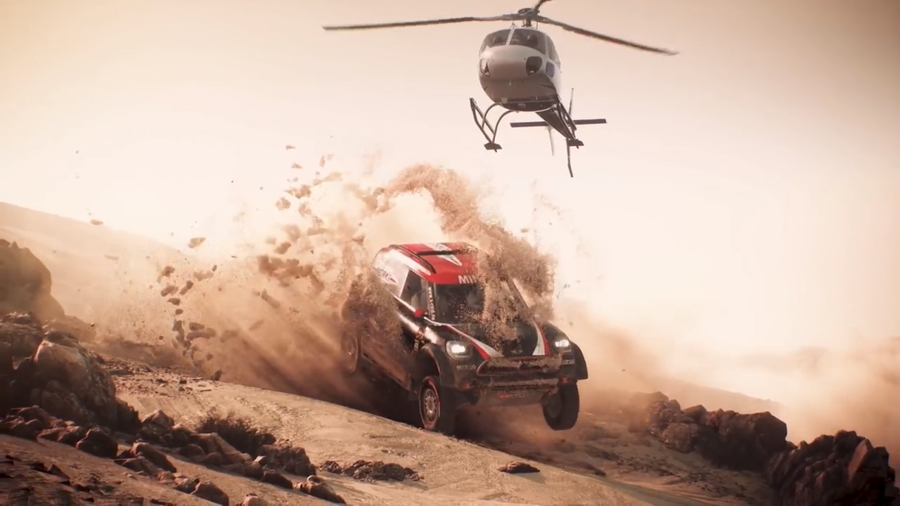 Dakar 18 Mini Countryman and helicopter