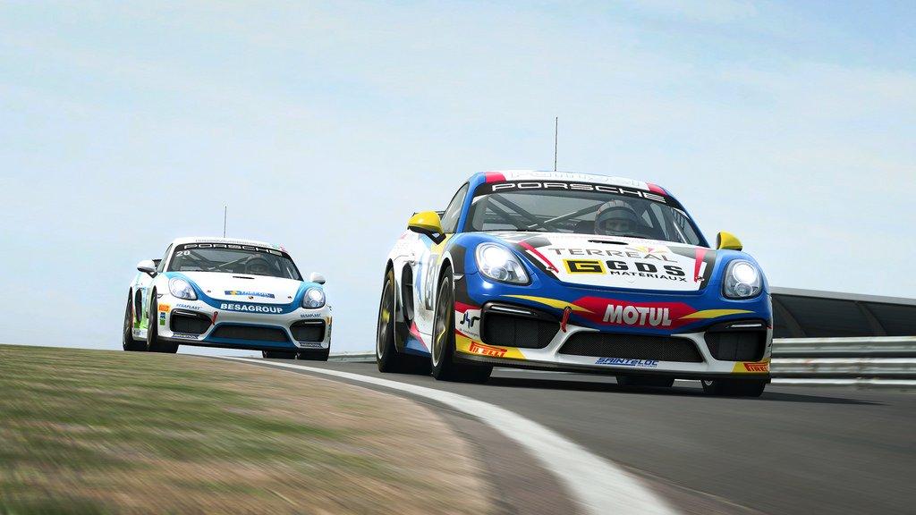 RaceRoom GT4 Patch 2
