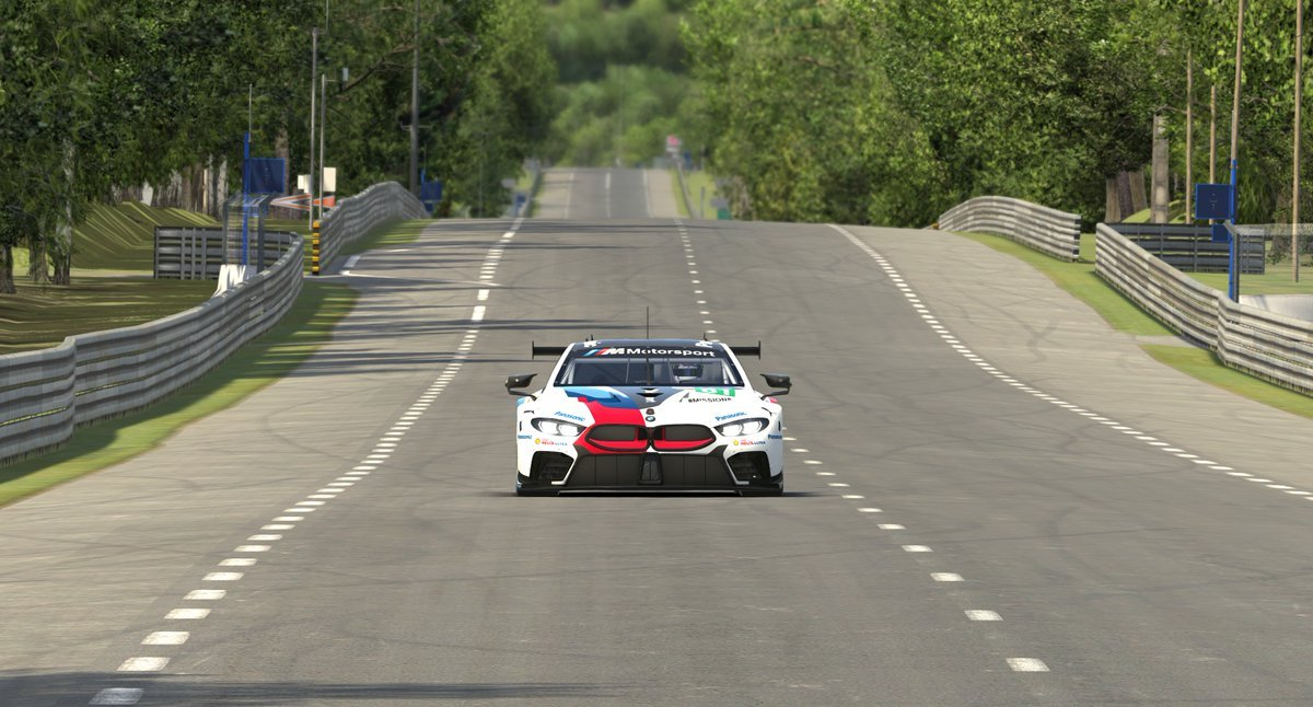 iRacing BMW M8 GTE Preview 4